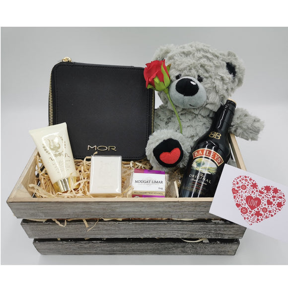 MOR & Baileys luxury hamper