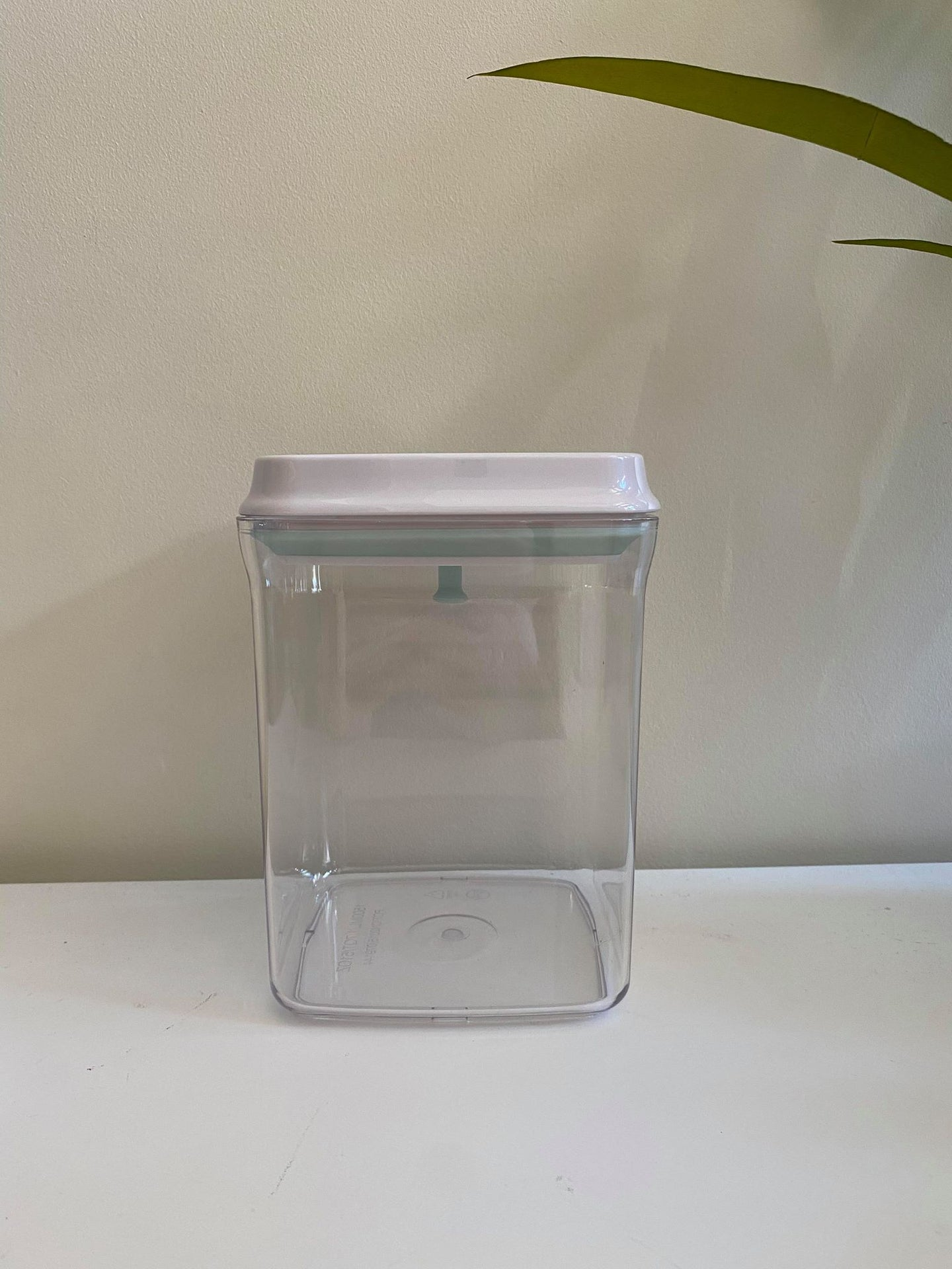 Lux White Push Top Container- 1.5L