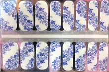 Load image into Gallery viewer, Blue Floral Nail Wraps #48B