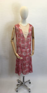 Original 1920s Day Dress - A Stunning Blend of Lace & Cotton Lawn