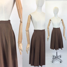 Load image into Gallery viewer, Original 1940's Skirt - With a Fabulous 8 Gore Panel Sweep
