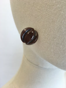 Original 1940's Stunning Carved Bakelite Screw back Earrings - In A Lovely Autumnal Brown