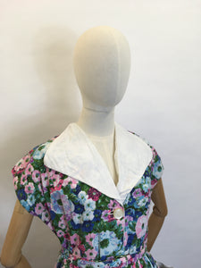 Original 1950's Floral Cotton Day Dress - Fabulous Collar and Big Pockets