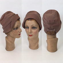 Load image into Gallery viewer, Original 1930s Exquisite Pale Rose Cloche Hat - Labelled ' Henry Heath', A London Maker