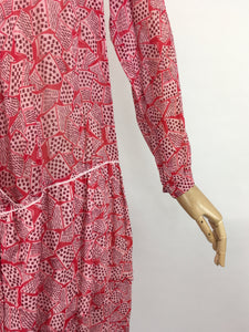 Original Early 1930s Darling Day Dress - In a Fabulous Deco Almost Book Print Cotton Lawn with Scalloped Hem Detailing