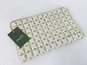 Original 1940s Ivory ' Plastiflex' Clutch Handbag - An Iconic Piece For Any  Collection