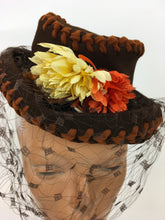 Load image into Gallery viewer, Original STUNNING 1940s American Topper Hat - In an Autumnal Colour Pallet of Warm Brown, Oranges and Yellow