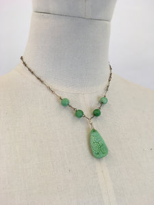 Original 1930s Necklace In The Iconic 30's Green - Glass Beads and Pressed Glass