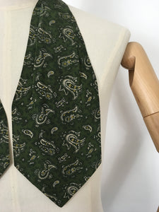 Original Men's ' All Silk' Cravat - In a Fabulous Forest Green with Cream and Yellow Paisley
