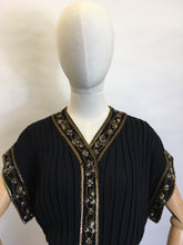 Load image into Gallery viewer, Original 1940's Double Dinner Plate Label Blouse - Amazing Beadwork and Pleating