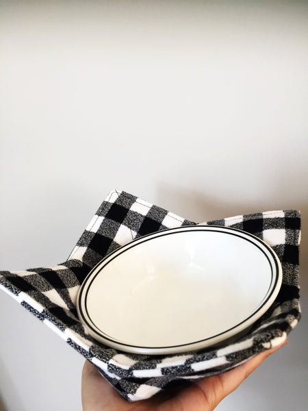 White & Black Bowl Cozy