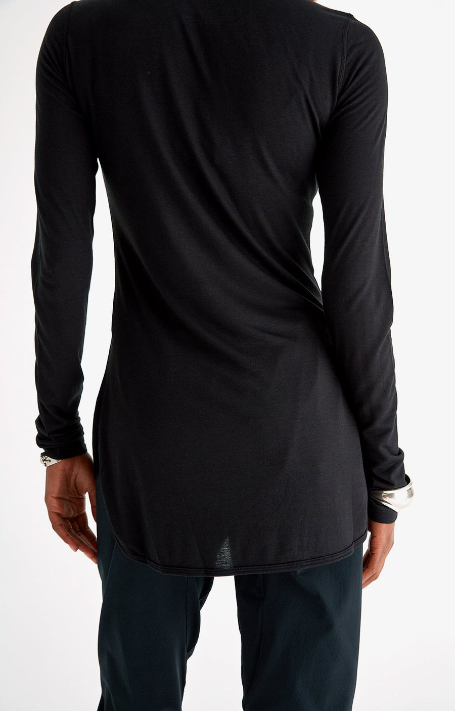 Paskho Eloquent – Sensually Soft Silk Knit Travel Henley in Black