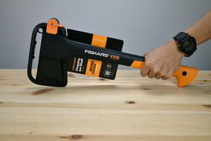 Fiskars Chopping Axe S X10 - Thomas Tools