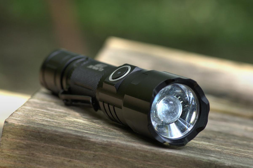 Klarus FX10 Focusable Rechargeable Flashlight (1000 Lumens) - Thomas Tools