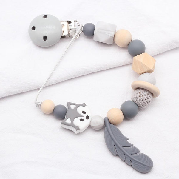 Riffar SILICONE AND WOOD BABY PACIFIER CLIP
