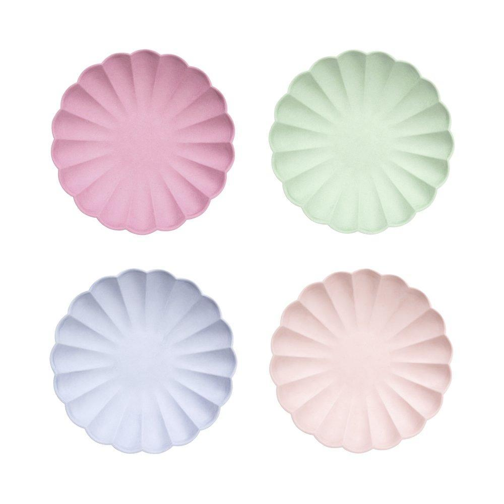 PARTY COLLECTION  Eco-friendly party - Multicolor Simply Eco Small Flower Plates - 100% natural - Pack of 8 in 4 colors - natoorio