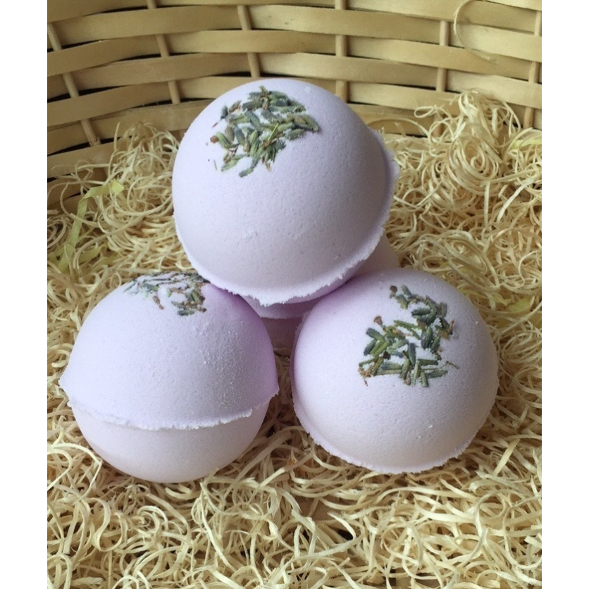 Big Relaxing Lavender Bath Bomb with Sweet Almond Oil & Dried Lavender Seeds - natoorio