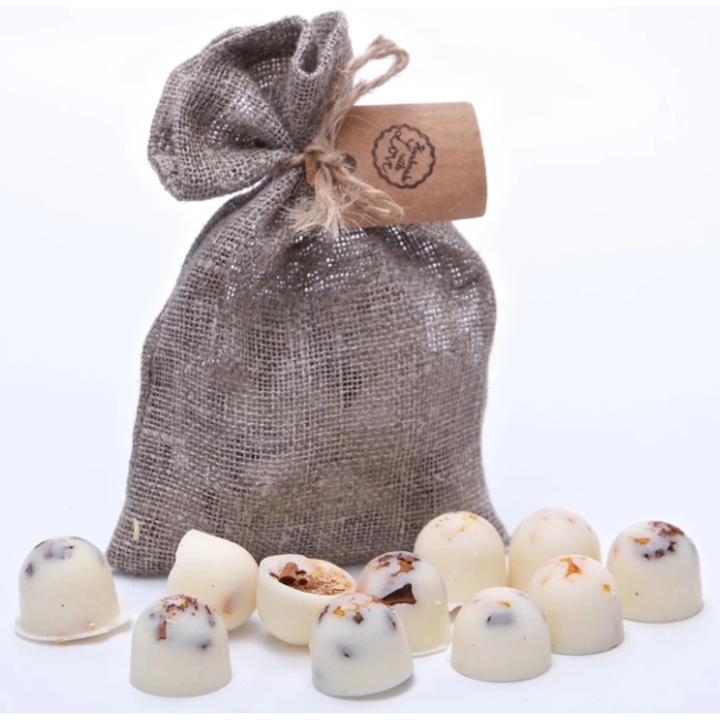 Orange & Cinnamon  Scented Soy Wax Melts in Grey Bag of 10 each - natoorio