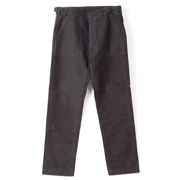 SLIM FIT FATIGUE PANTS。