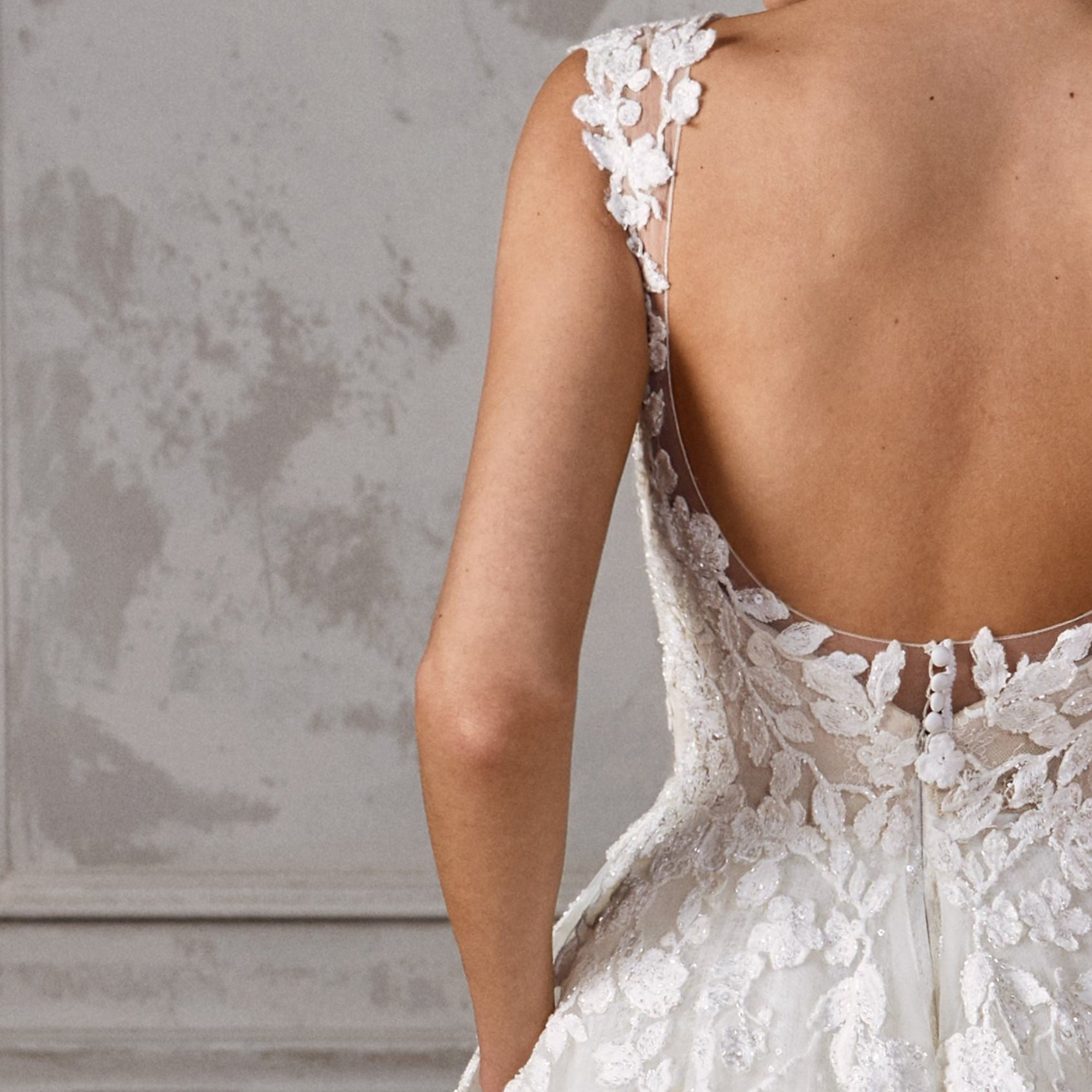 Adapt Your Wedding Dress To Suit The Season