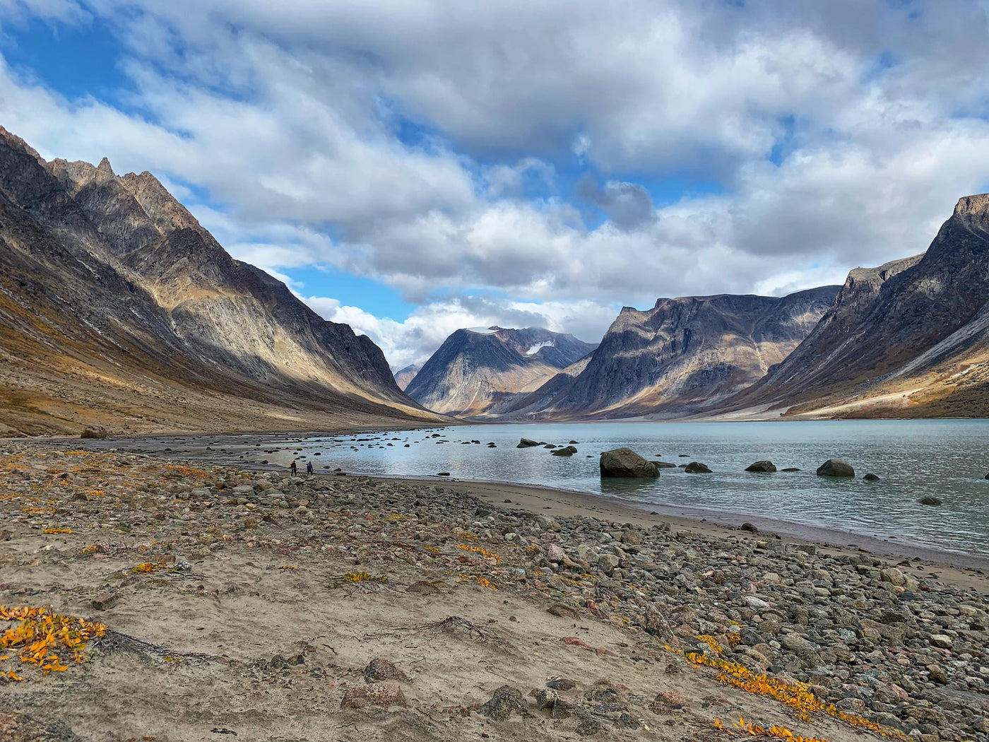 KapiK1 adventurers enjoy beautiful scenery on every expedition. This is Baffin Island.