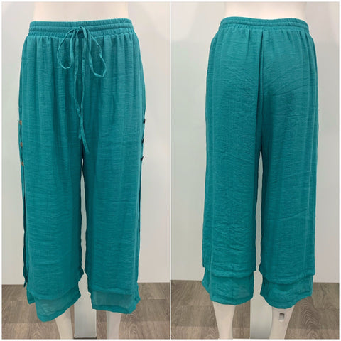 Missy Q Button Detail Three Quarter Resort Pants Teal