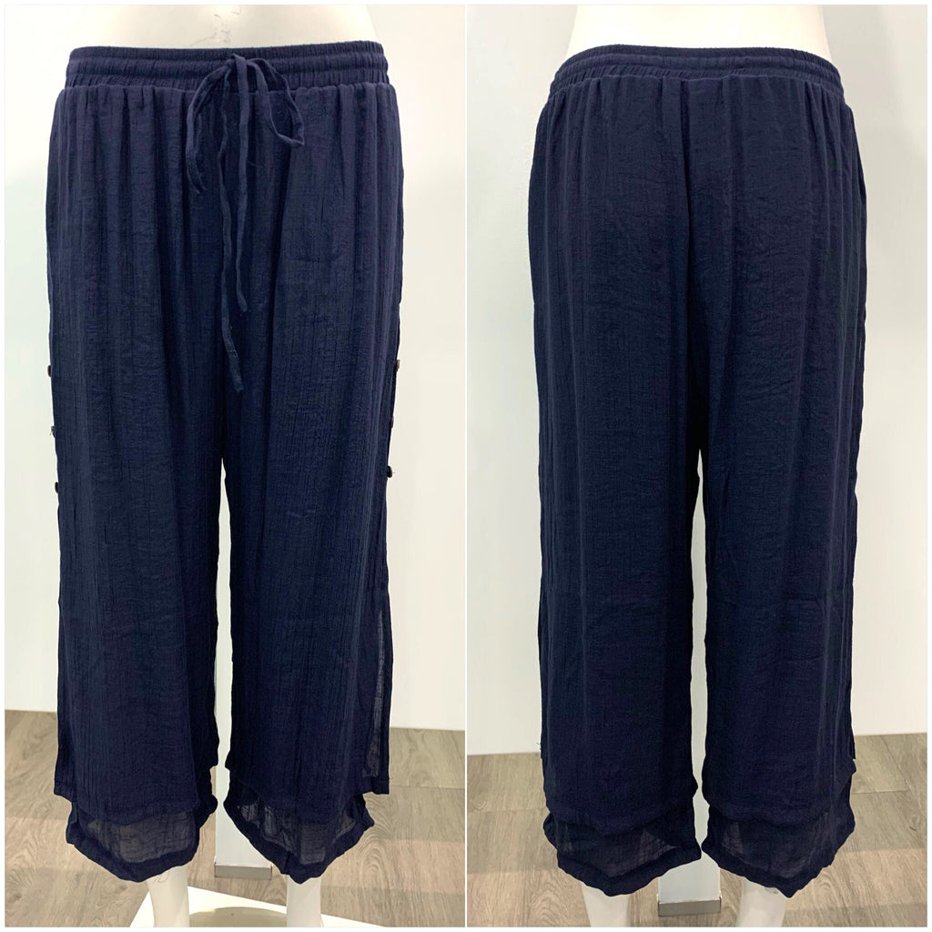 Missy Q Button Detail Three Quarter Resort Pants Navy