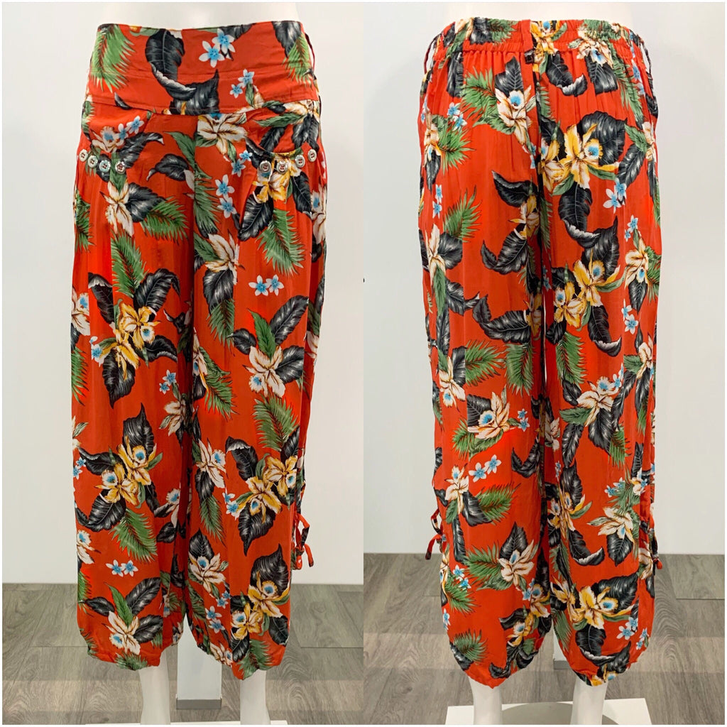 Quelque Button Detail Floral Harem Pants Red