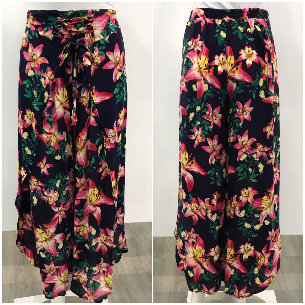 Missy Q Tie Waist Tropical Lilly Print Pants
