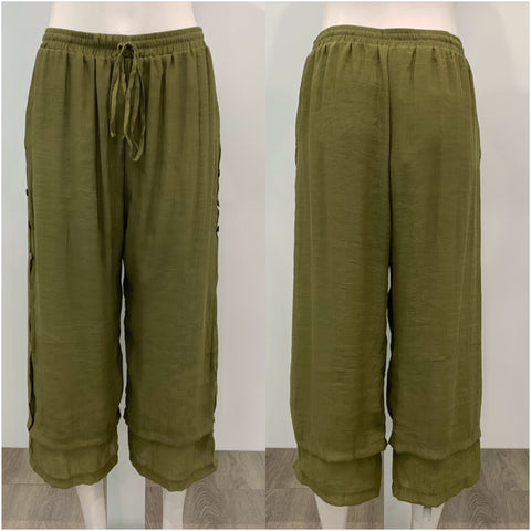 Missy Q Button Detail Three Quarter Resort Pants Khaki