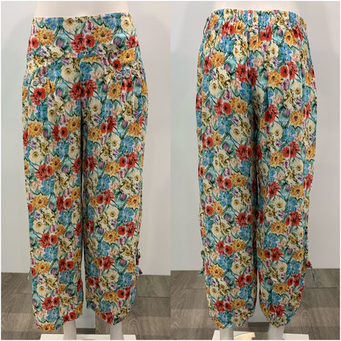Quelque Button Detail Floral Harem Pants Multi