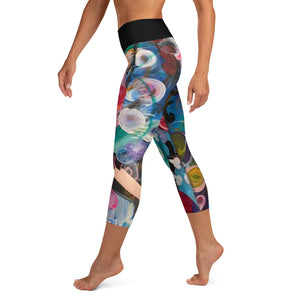 """Breeze"" Abstract Print Yoga Capri Leggings - Whimsy Fit Workout Wear"