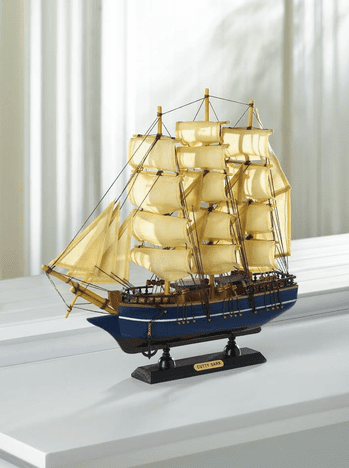 Model Ships: Cutty Sark Model Ship - A beautifully detailed wooden model ship with cotton sails