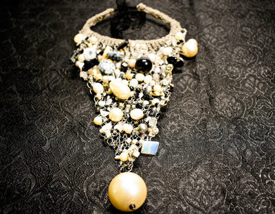 Breastplate necklace with pearls. Moonstone, Onyx and Gray Pearls | Boho-Chic | Hippie Style