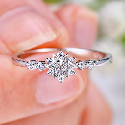 Snowflake Ring with Sparkling Stones | Boho-Chic | Hippie Style