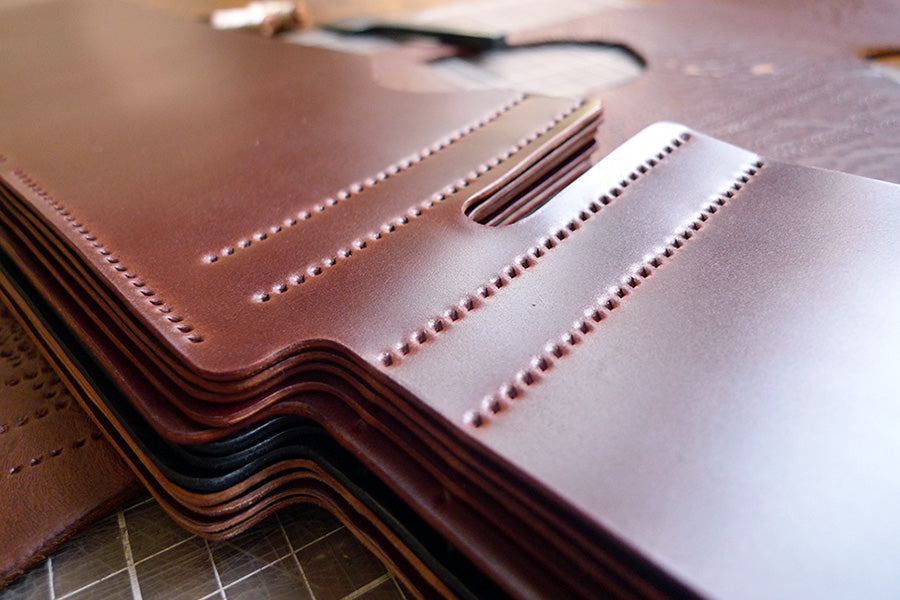 brujula new york shell cordovan hand stitched bi-fold wallet burgundy handmade in new york usa