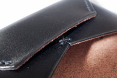 One Piece English Bridle Leather Business Card Case (Black) Close Up