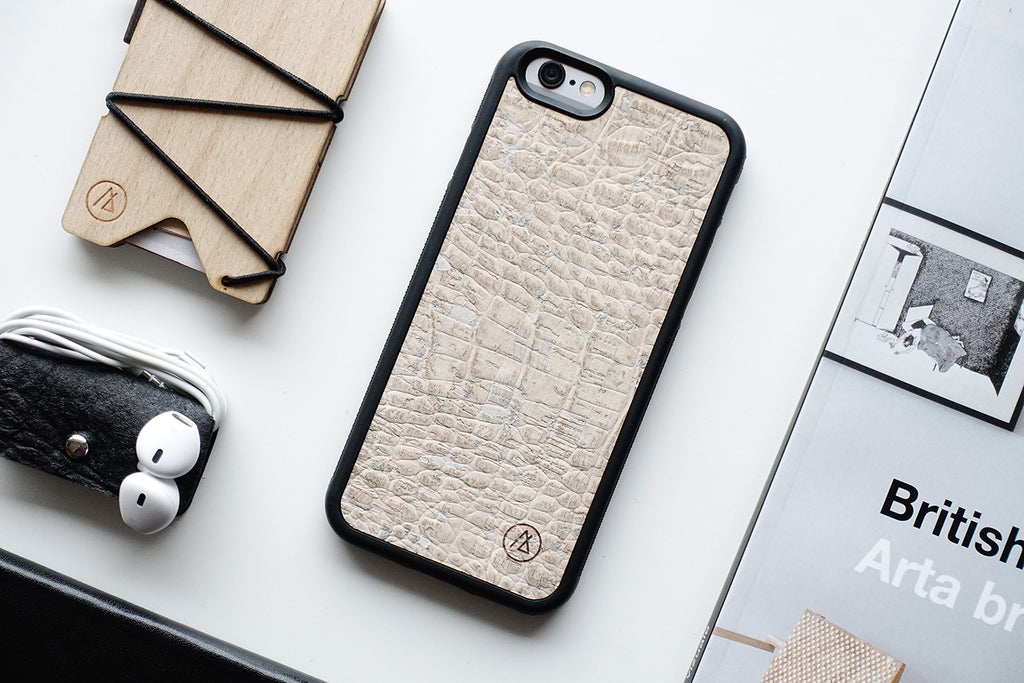Cork iPhone case / crocskin white