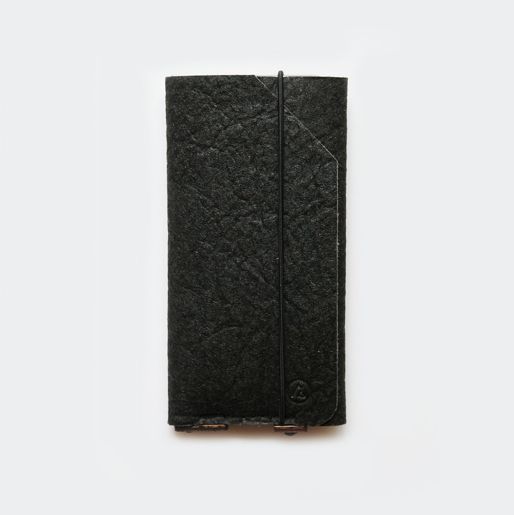 iPhone case with card pocket / black Pinatex