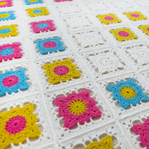 bright granny square crochet pattern