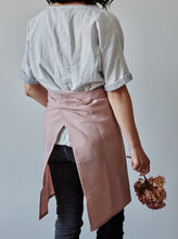 Load image into Gallery viewer, Dusty rose linen half apron back