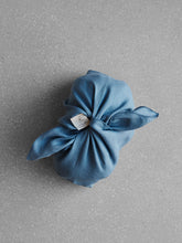 Load image into Gallery viewer, Blue linen azuma bag