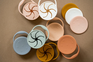 other view of minika snack cup lids