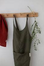 Load image into Gallery viewer, Linen Apron - Forest green