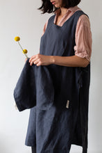 Load image into Gallery viewer, Linen Gardener Apron - Dark Grey