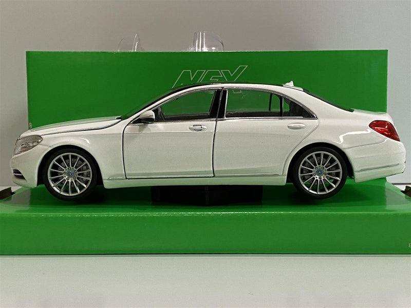 Mercedes Benz S Class White 1:24 Scale Welly 24051W