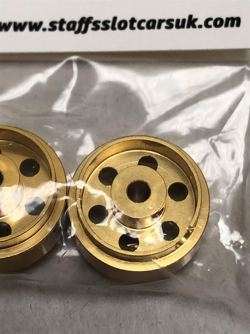 Staffs Aluminium Bullet Hole Wheels in Gold 15.8x10mm STAFFS31