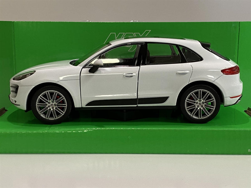 Porsche Macan Turbo White  1:24 Scale Welly 24092W