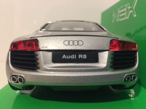 Audi R8 Silver 1:24 Scale Welly 22493S New