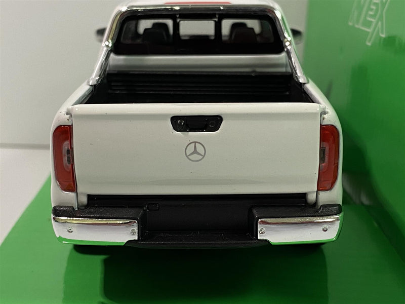 Mercedes Benz X Class White 1:24 Scale Welly 24100